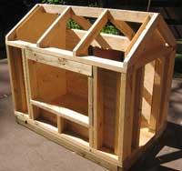 Armazón de una casita de madera